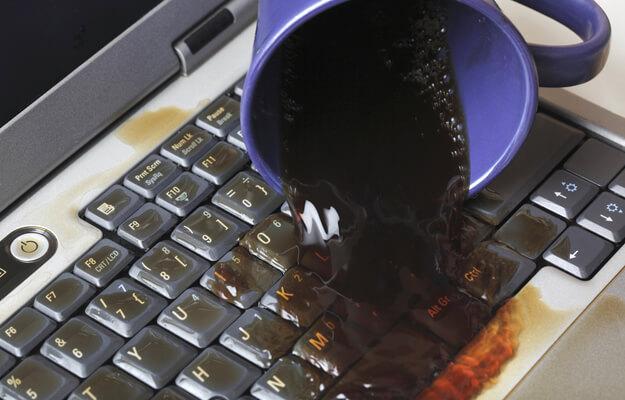 Ремонт ноутбука после залития в Санкт-Петербурге